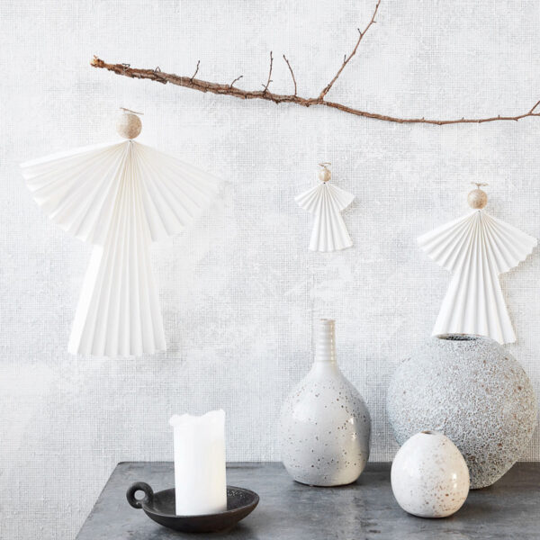 Angel ornament i vitt och guld